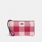 26620 large wristlet with buffalo plaid print