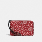 67514 corner zip wristlet with lace heart print